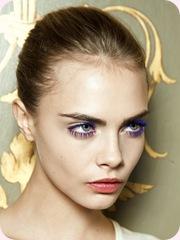 La nueva tendencia en maquillaje es la mirada de color azul