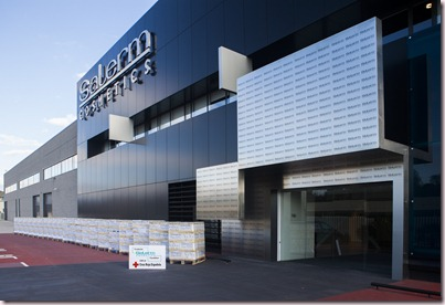 La Fundación Salerm Cosmetics dona 10.000 litros de champú a Cruz Roja española 2